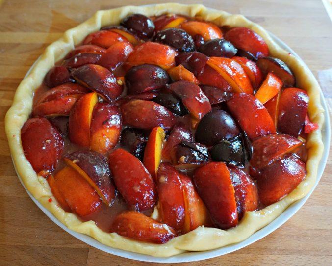 Peach, Nectarine and Plum Pie - BELGIAN FOODIE