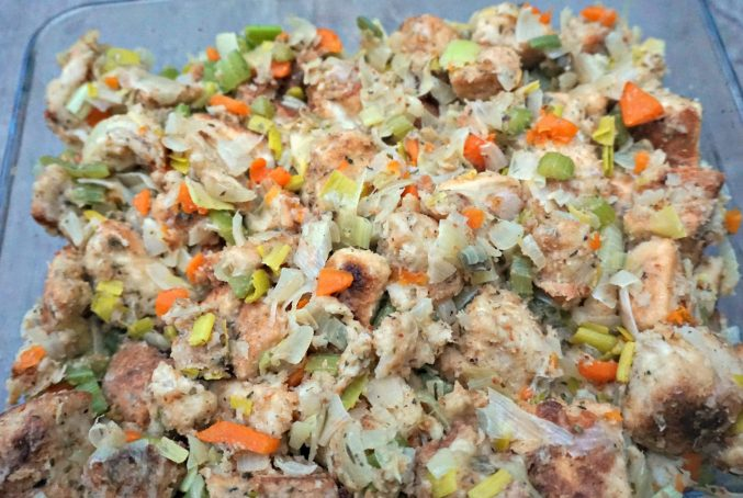 Simple Stuffing for Thanksgiving - BELGIAN FOODIE