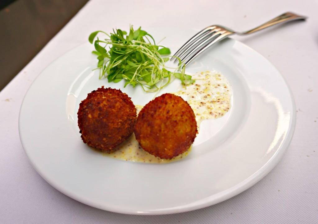 Amuse-bouche at Bourla Café Restaurant