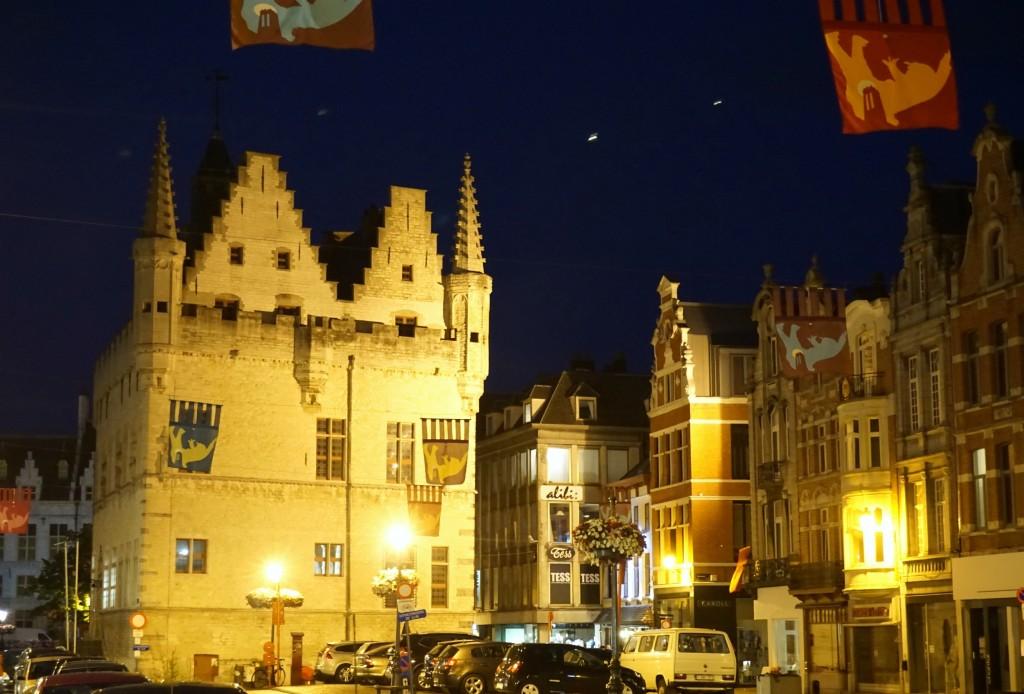 Mechelen Tower at night