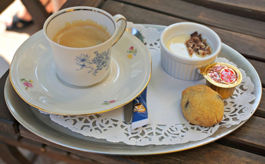 Espresso with sweet accompaniments