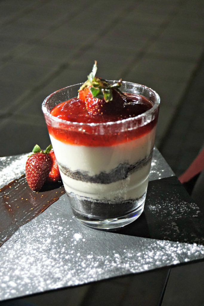 Musutu strawberry dessert