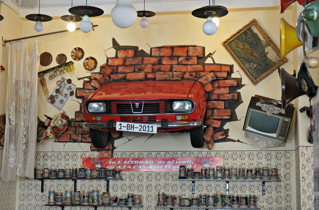 Lactobar Car Wall - Romania