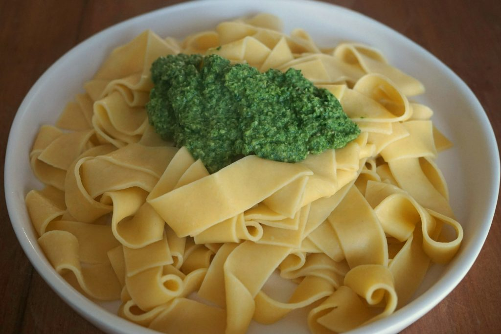 Pasta w Dandelion Pesto top