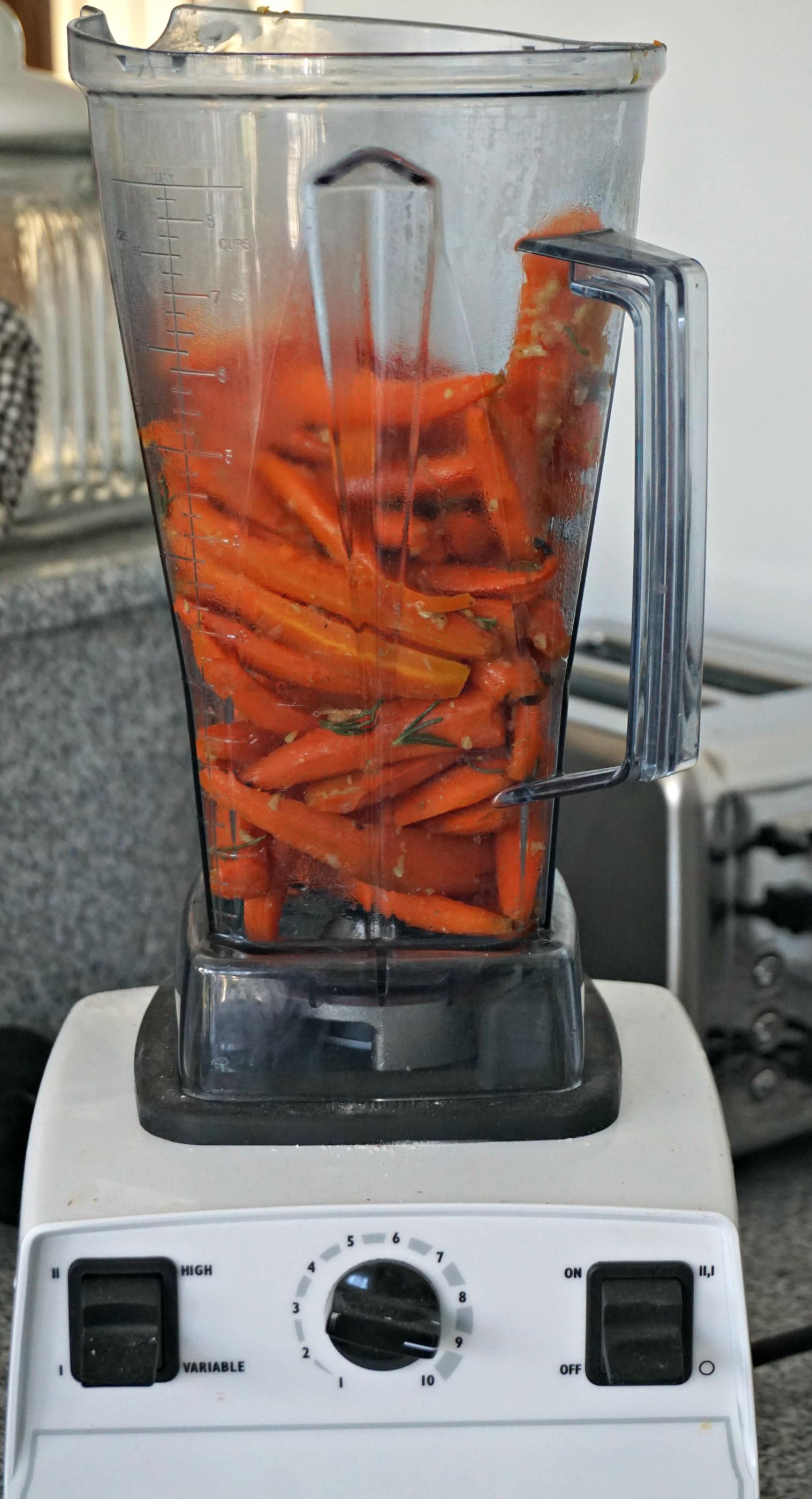 how to make carrot soup in a blender