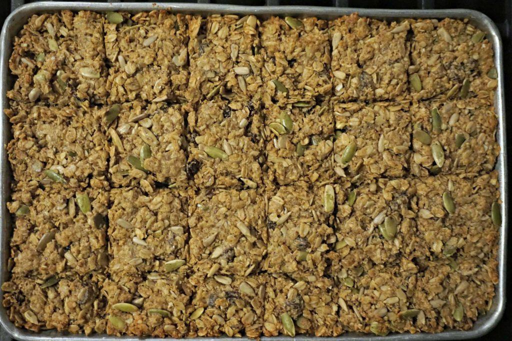 Cut baked granola bars